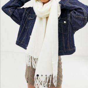 NWOT ASOS super soft white long woven scarf